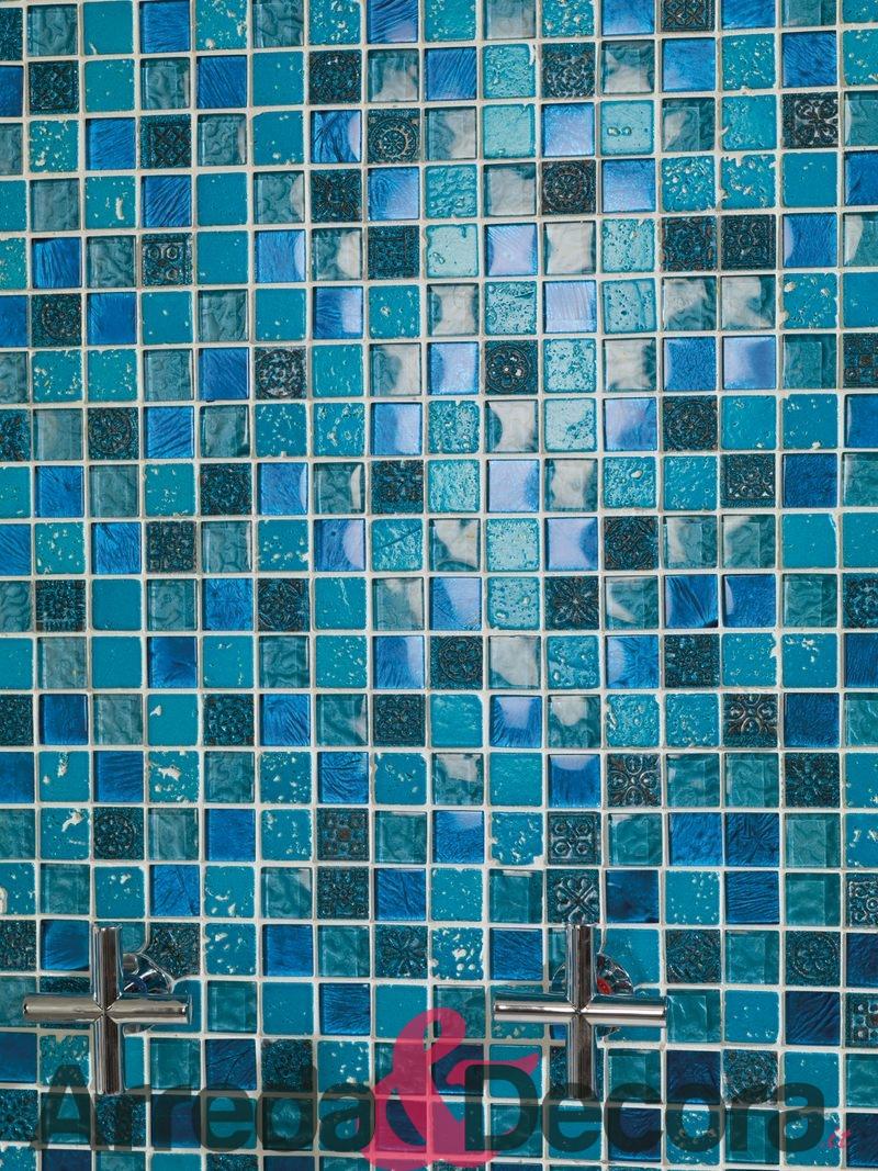 Mosaico mix pietra e vetro mod nereida for Piastrelle 3 millimetri