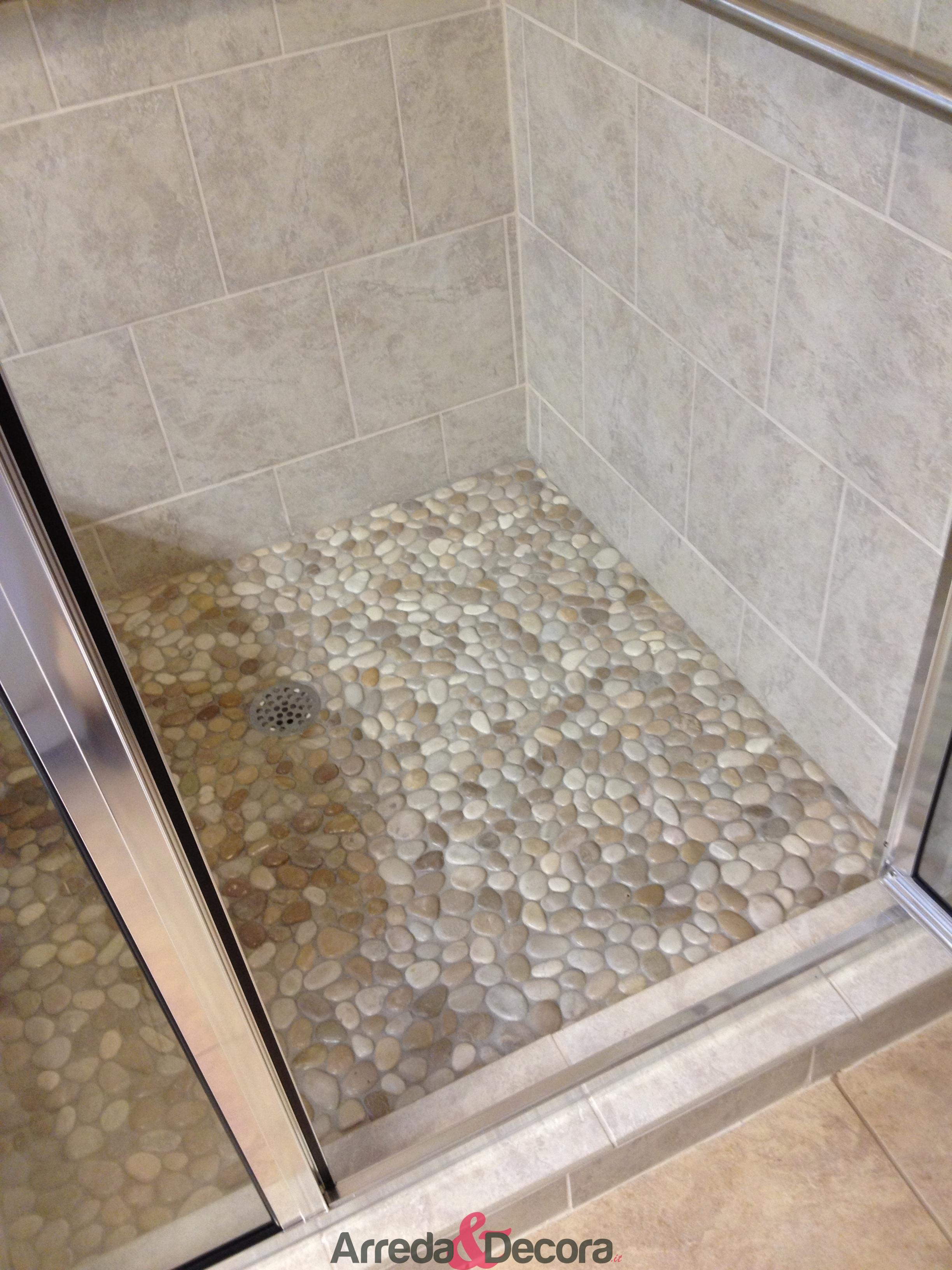 Piatti doccia con ciottoli - Posare un piatto doccia ...