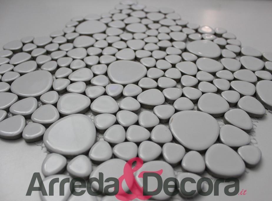 Mosaico a ciottoli in ceramica smaltata bianca lucida for Ciottoli bianchi
