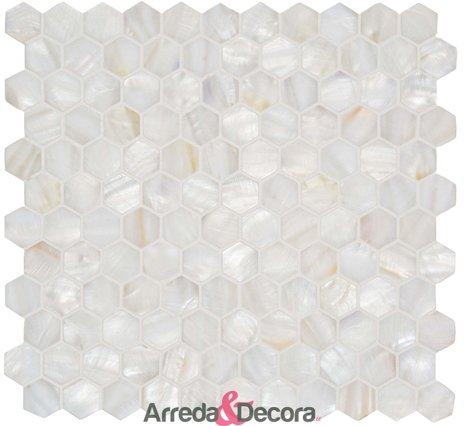 mosaico-esagonale-in-madreperla