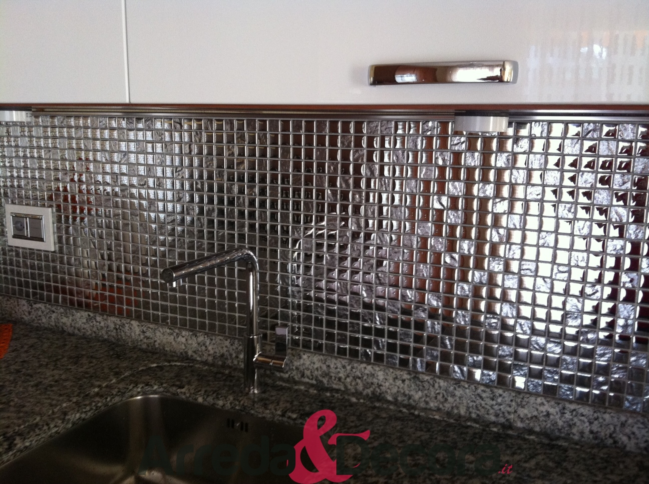 Mosaico in vetro serie elegante mod silver - Mosaico rivestimento cucina ...