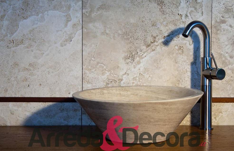 lavabo in pietra beige