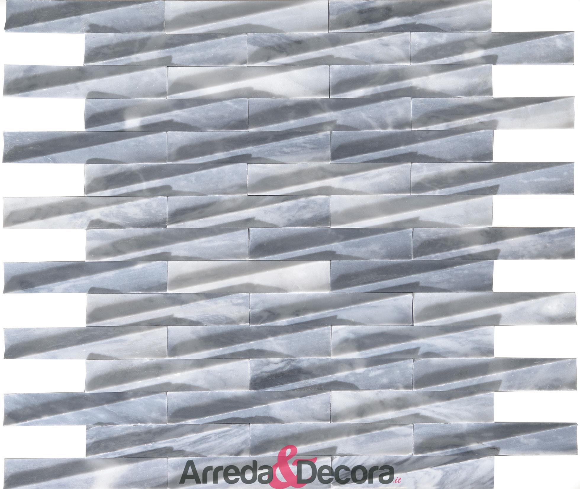 mosaico-in-marmo-grigio-chiaro-a-incastro